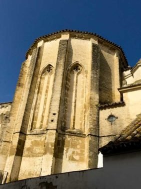Exterior de la Iglesia de Santiago